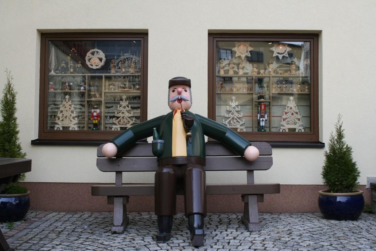 Kunstgewerbe Beer-Knusperhäusl und Adventshaus Ladengeschäft 3