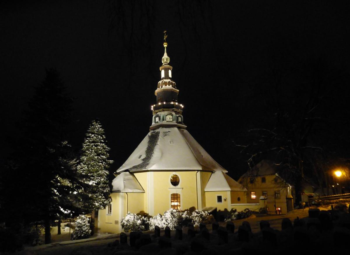 kirche-im-schnee