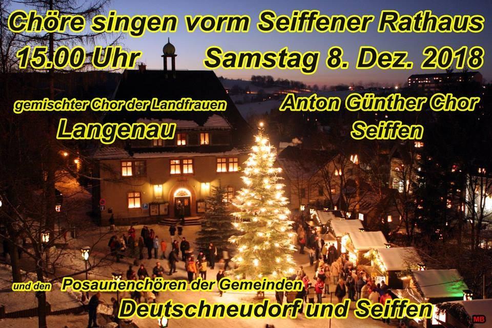Chöre Singen Weihnachtslieder.Chöre Singen Vor Dem Rathaus Seiffen