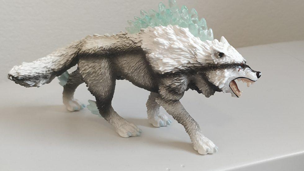 02.03.2020 Spielzeug Wolf