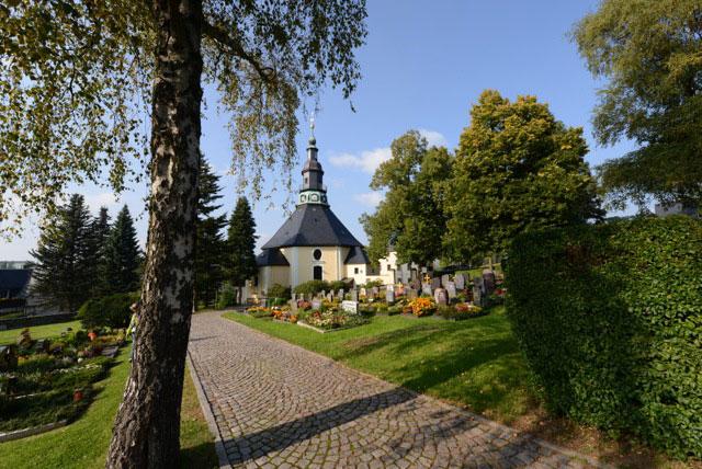 Seiffener Bergkirche im Sommer, Foto: Stein