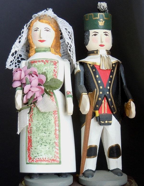 Hochzeitspaar im mechanischen Heimatberg