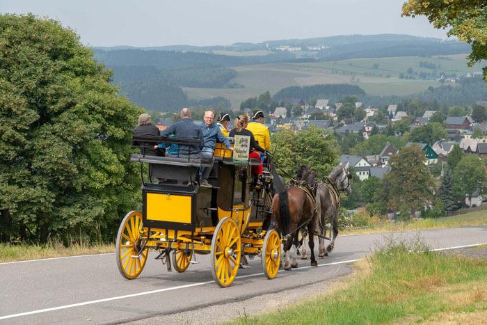 Fahrt mit historischer Postkutsche in Seiffen