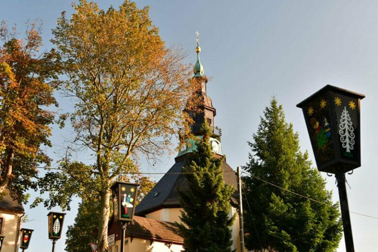 Bergkirche Seiffen im Herbst, Foto: Nico Schimmelpfennig
